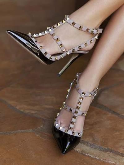 f2f1e377631 chaussures style valentino